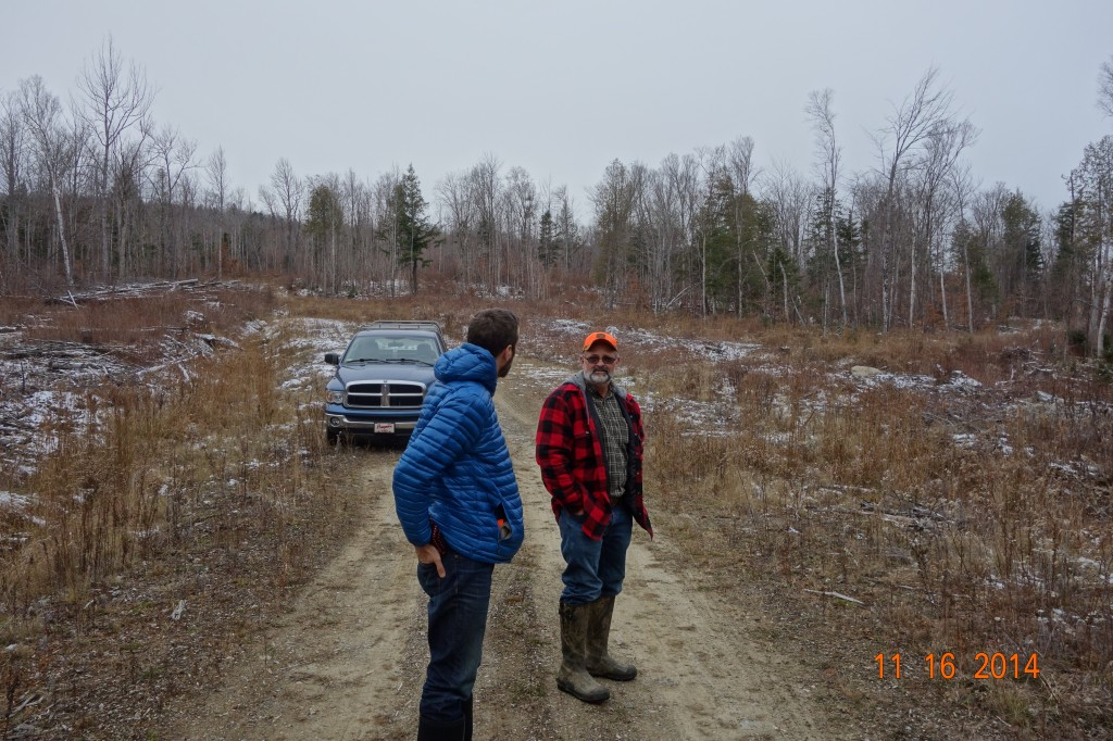 Board member Dave Kallin chats with landowner Paul Comtois.